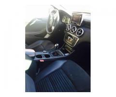 Extraordinario vehículo Mercedes Benz A200 en excelente estado