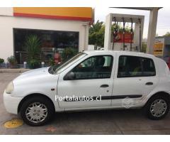 Renault Clio año año 2000