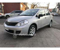Nissan tida tiida automático año 2012