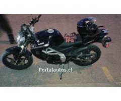 Motocicleta UM Xtreet 200