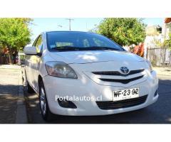 Vendo Toyota New Yaris Full Equipo