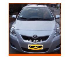Toyota Yaris GLI 2013 unico dueño