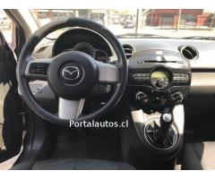 Mazda 2 MT 2011