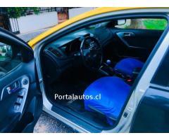 Vendo taxi Kia Cerato